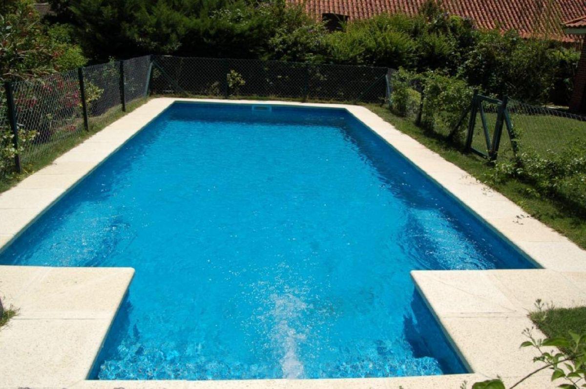 Casa ID.4895 - Rincón del Indio Casa de 4 dormitorios en suite piscina climatizada
