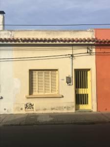 Casa céntrica, muy linda zona, 1 dormitorio.-
