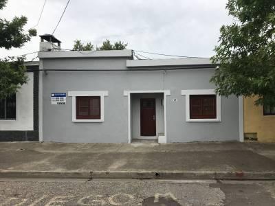 Casa tres dormitorios a pasos de la Terminal
