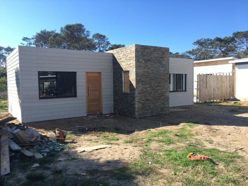 En venta, casa en La Juanita a pocos metros del mar!!!