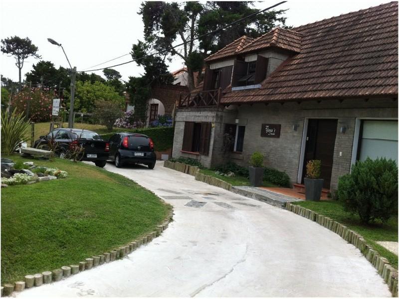 Casa en Rincón del Indio, 3 dormitorios *