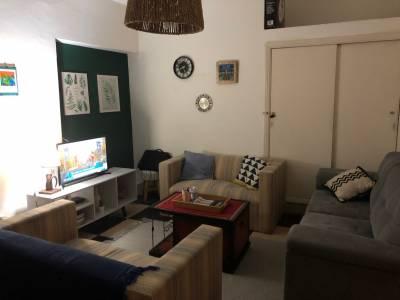 Apartamento de 3 dormitorios y 2 baños en pleno centro amplia terraza. Cocina equipada semi-integrada. BINTANG propiedades