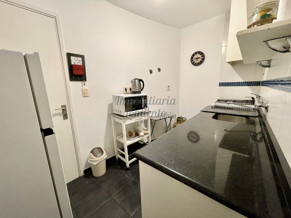 Apartamento ID.1099 - Venta apartamento 1 dormitorio y medio con cochera Complejo Arcobaleno