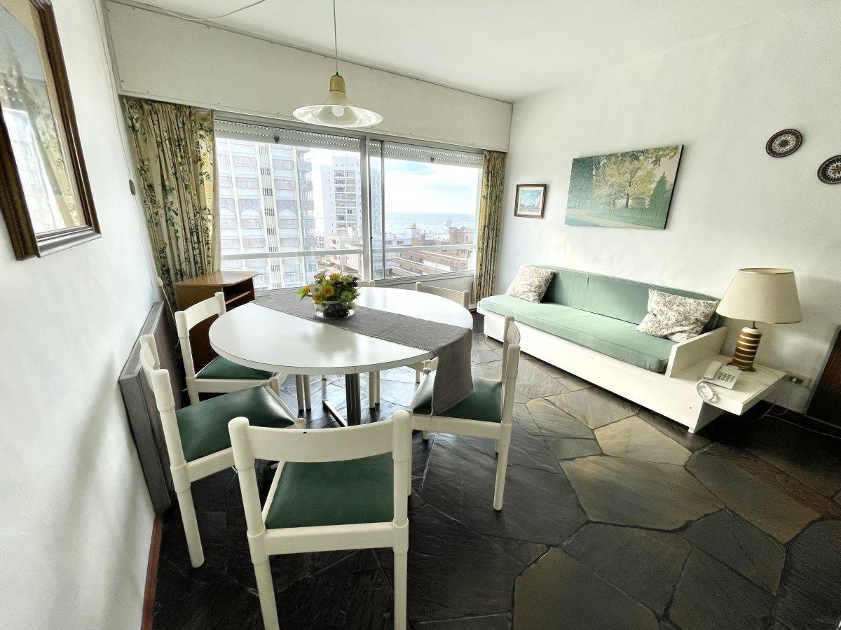 Apartamento ID.1140 - Venta luminoso apartamento zona Península 1 dormitorio