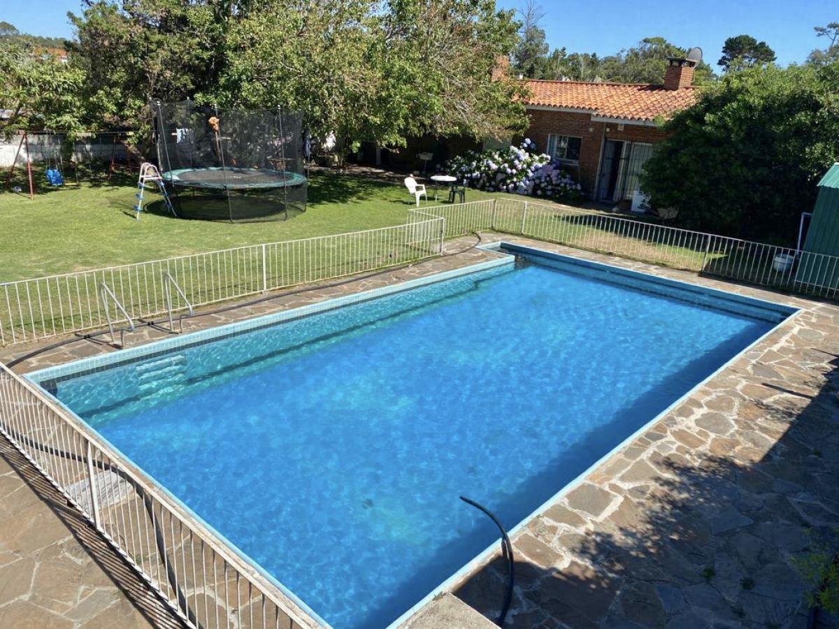 Casa ID.977 - Venta casa 3 dormitorios en Pinares con piscina