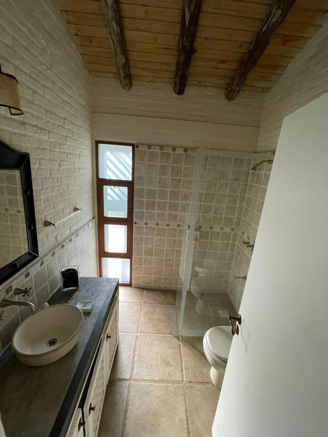 Casa ID.1061 - Venta Casa 3 Dormitorios y Servicio Zona Rincon del Indio