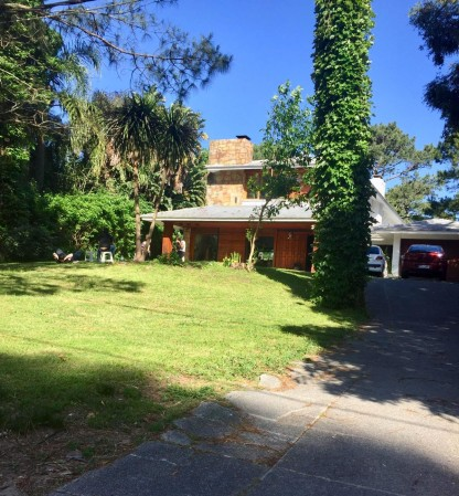 Casa Venta o Alquiler en Punta del Este Roosevelt de 6 Dormitorios