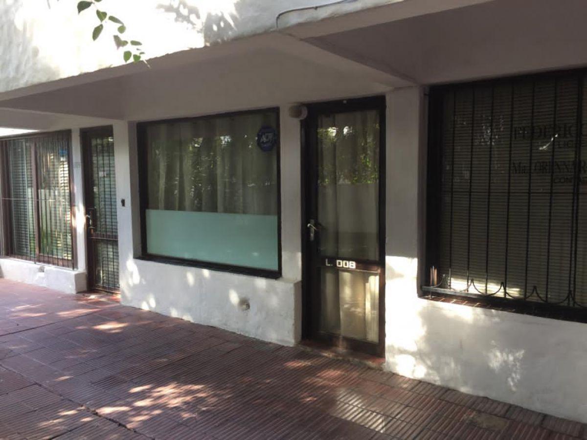 Local Comercial ID.1055 - Alquiler anual Local Centro de Maldonado