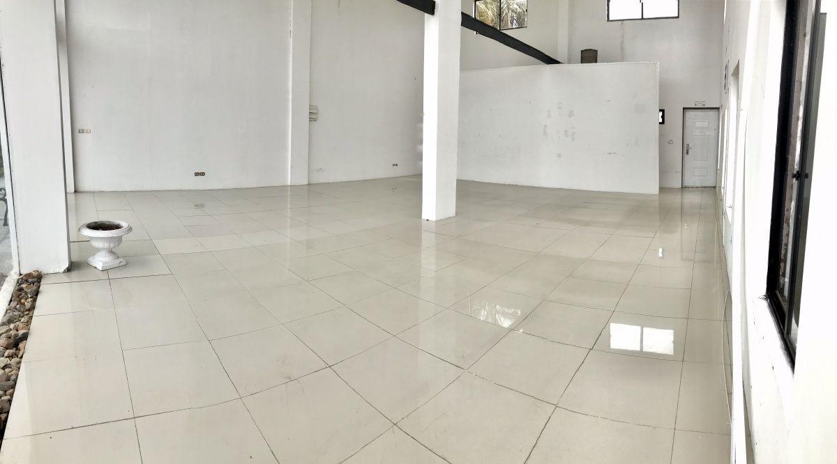Local Comercial ID.941 - Alquiler anual Local Comercial Centro de Maldonado