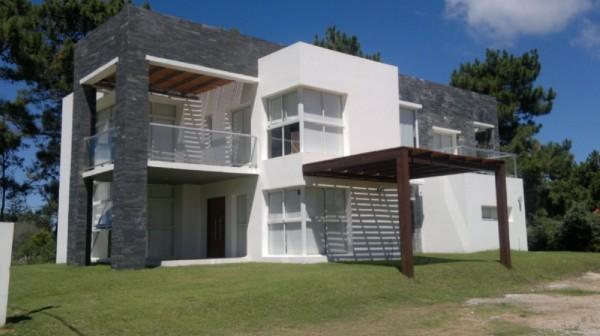 Casa  en Punta del Este Rinc�n del Indio de 5 Dormitorios