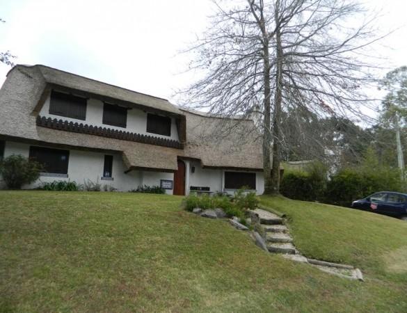 Casa  en Punta del Este Pinares de 3 Dormitorios