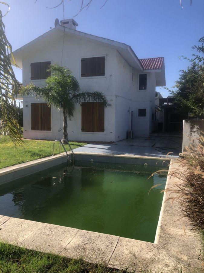 Muy linda casa en venta a metros de la playa !!!! Consulte !!!! - Ref: 1390.1