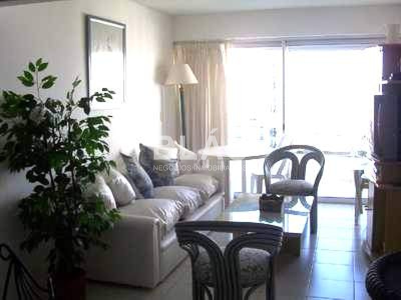https://www.inmobiliaria.link/f/136/0/800/0/0/0/inm_0_2390_1.jpg