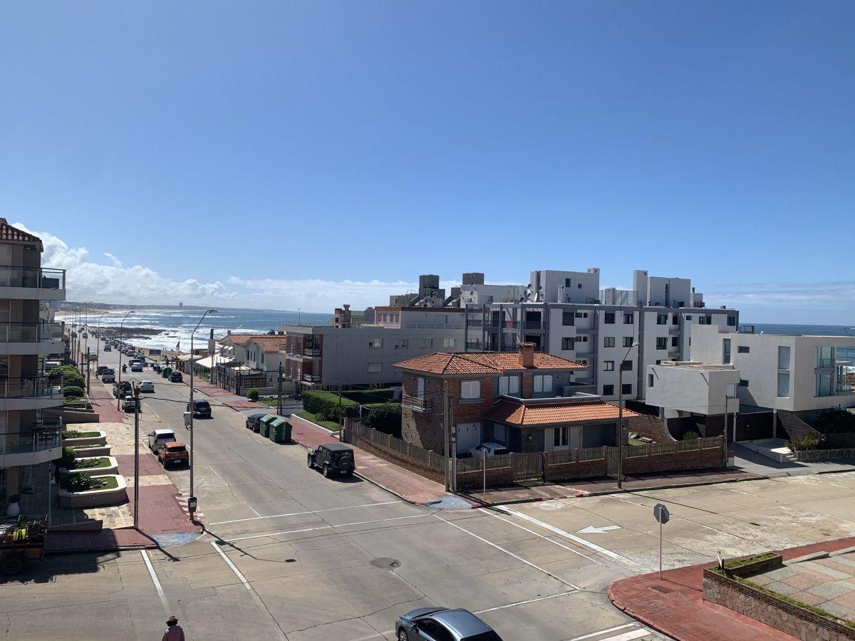 Apto en La Peninsula con vista al Mar!