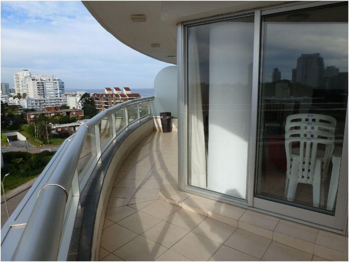 Apartamento ID.64 - PLAYA BRAVA, PISO ALTO, VISTA, 4 AMBIENTES CON TODOS LOS SERVICIOS