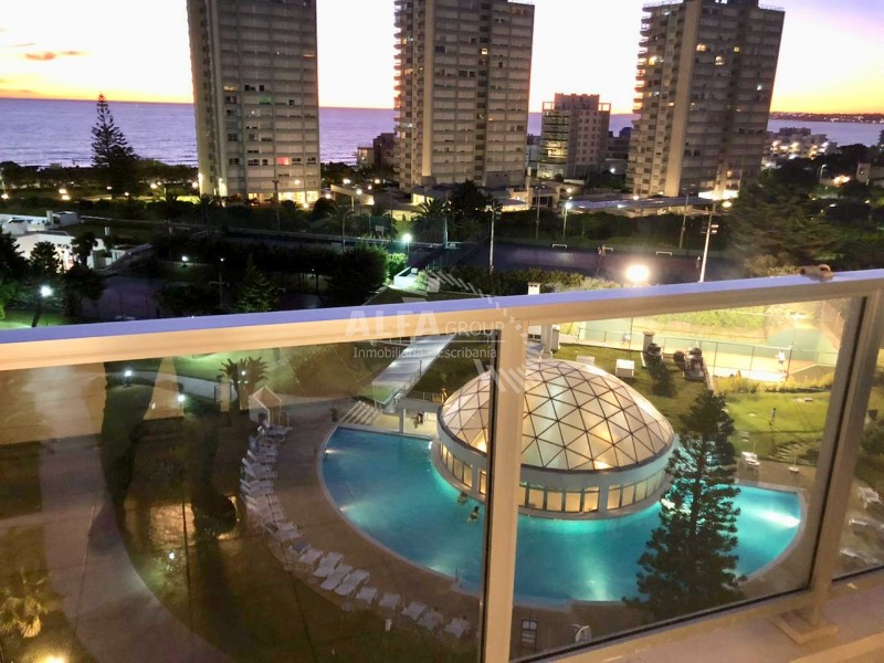 Apartamento ID.365 - Primera linea de Playa Mansa, con vista, 2 dormitorios