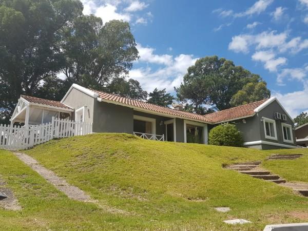 Casa en Venta en Punta del Este La Arbolada de 3 Dormitorios