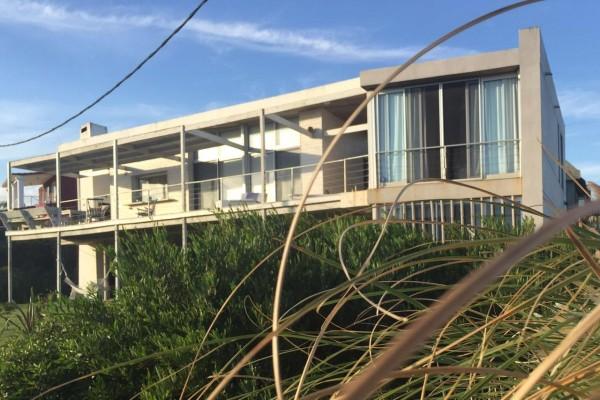 Casa Venta o Alquiler en Punta del Este Punta Piedras de 3 Dormitorios
