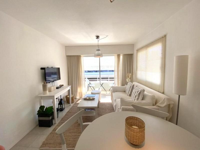 Vendo Penthouse 2 dormitorios con terraza y parrillero propio, en Peninsula, Punta del Este