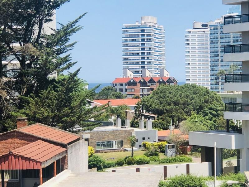 Apartamento ID.5424 - Confortable Apartamento en Aidy Grill!!! de 1 dormitorio, Baño, cocina, Living-comedor y Cochera techada. Consulte !!!!!!!