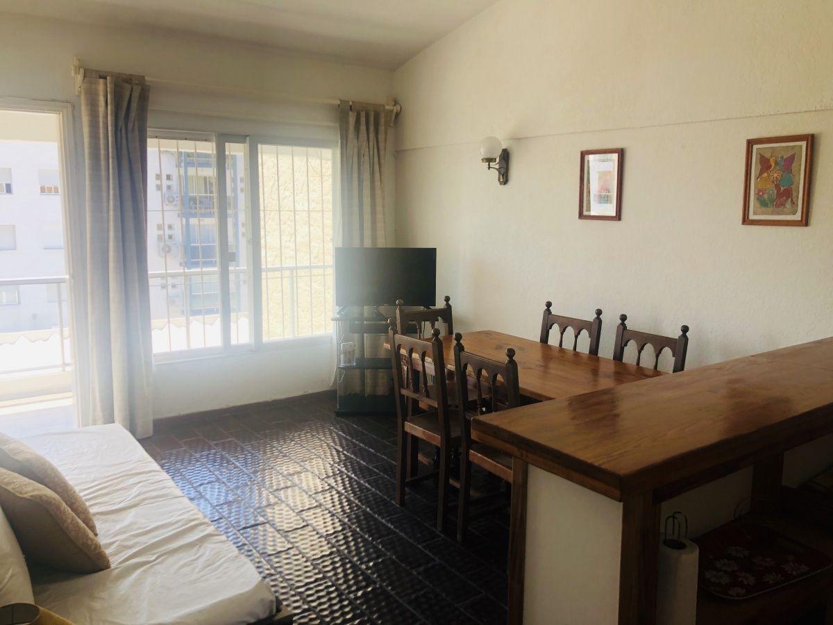 Confortable Apartamento en Aidy Grill!!! de 1 dormitorio, Baño, cocina, Living-comedor y Cochera techada. Consulte !!!!!!!