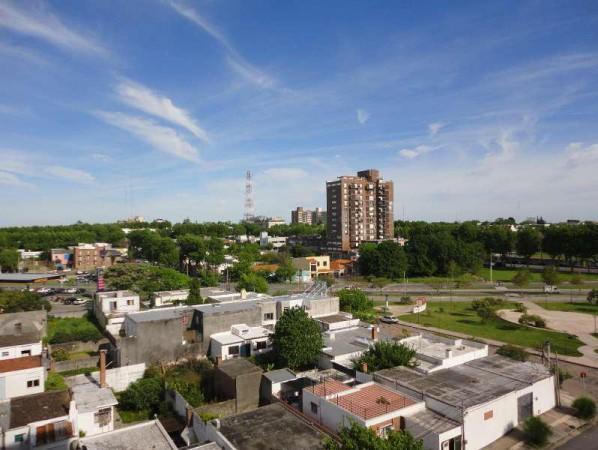 apartamento en venta con vista al rio proximo al puerto de colonia - sod63927a