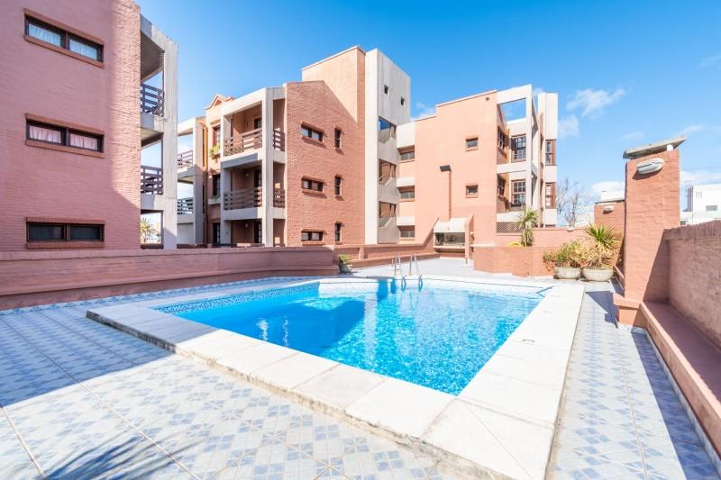 Apartamento ID.35296 - Apartamento de 2 dormitorios con gran terraza y parrillero propio, zona Península, Punta del Este