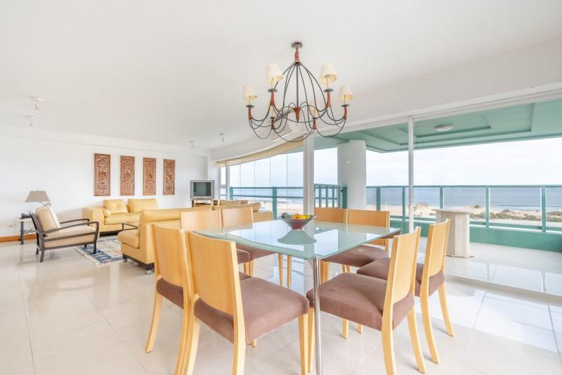 Apartamento ID.32585 - VENTA SEMI PISO MARTINIQUE FRENTE AL MAR PLAYA BRAVA