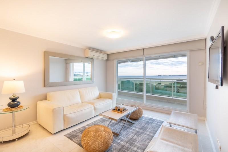 Apartamento ID.34944 - Venta Apartamento 3 Dormitorio Frente al Mar, Punta del Este.
