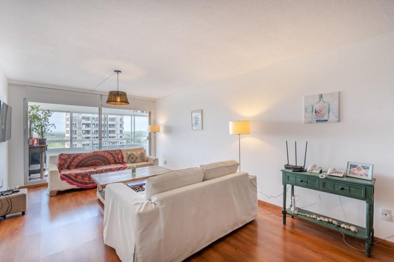 Apartamento ID.64045 - Oportunidad en venta 3 dormitorios 3 baños vista servicios