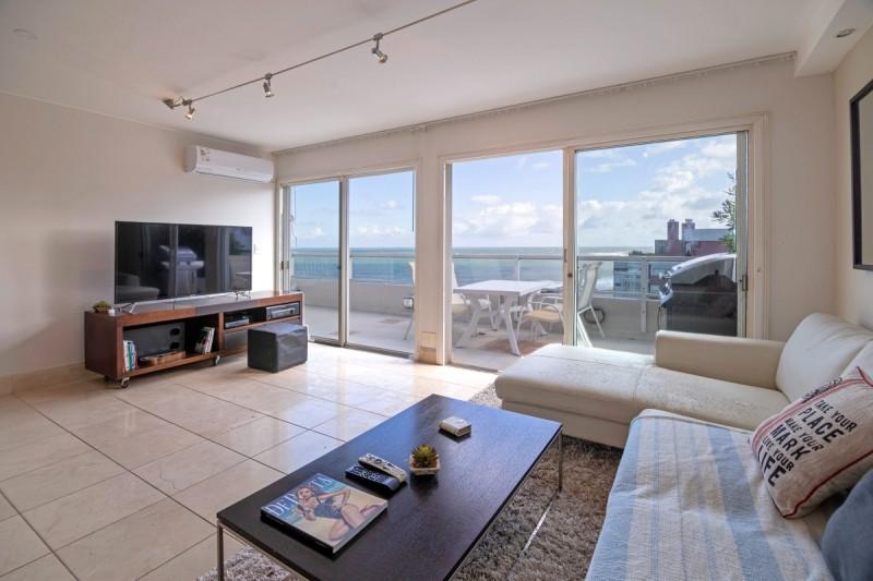 Apartamento ID.56720 - Venta Moderno Apartamento con Vista al Mar en Península, Punta del Este