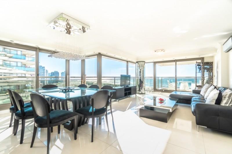 Apartamento ID.55754 - Venta Apartamento con Vista Panorámica, Punta del Este, Uruguay.