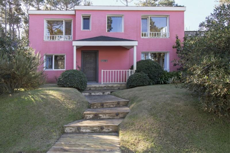 Casa ID.74 - Laguna Blanca Casa de 4 dormitorio piscina en venta Punta del Este