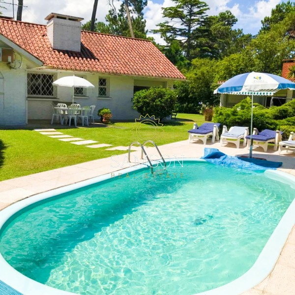 Casa ID.59018 - Impecable Venta Casa en Cantegril, Punta del Este