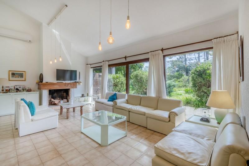 Casa ID.57851 - Oportunidad Casa de 4 dormitorios en venta - Barrio Lugano próximo al punta shopping y zona de colegios