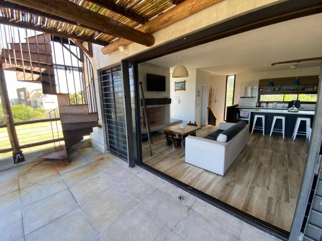 Casa ID.5888 - CASA EN VENTA DE 3 DORMITORIOS EN SANTA MONICA