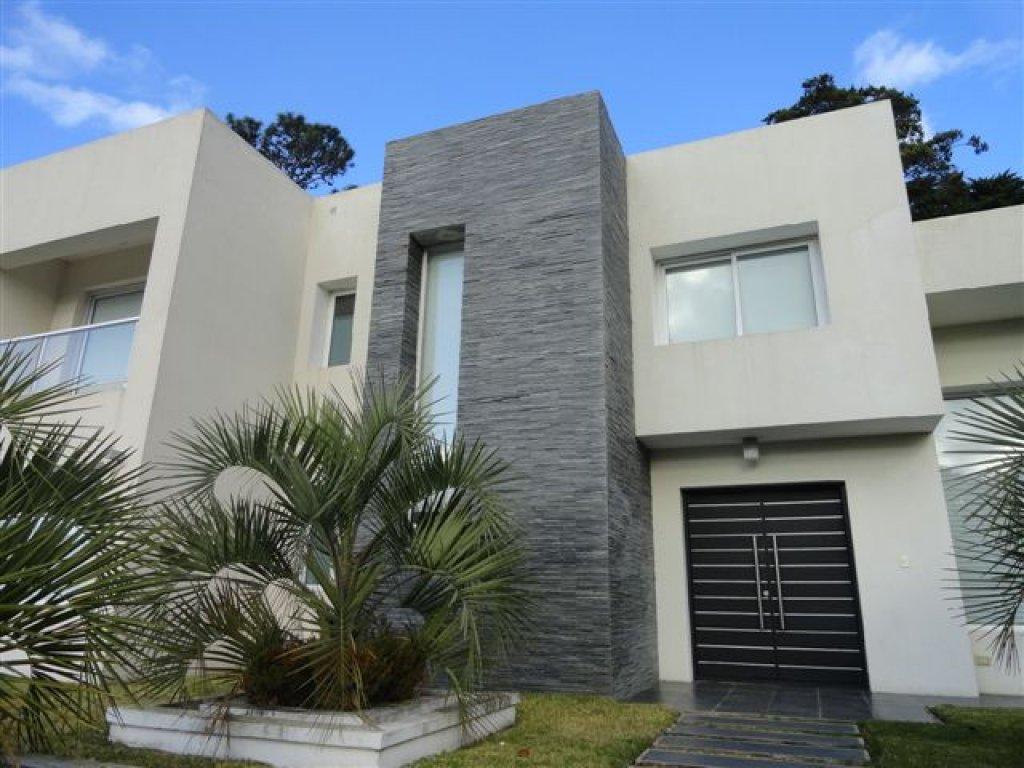 Casa ID.4937 - RESIDENCIA EN VENTA BARRIO PRIVADO PUNTA DEL ESTE