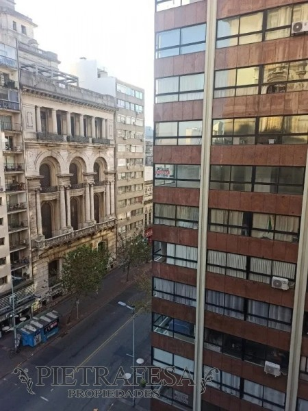 Apartamento ID.2507 - Monoambiente semi amueblado en venta-Plaza Independencia-Ciudad Vieja