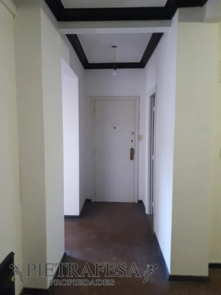 Apartamento ID.1403 - Apartamento en alquiler 2 dormitorios 2 baños Av Libertador Centro