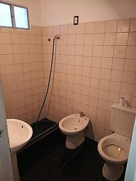 Apartamento ID.552 - APTO. CON RENTA 2 DORMITORIOS VILLA ESPAÑOLA SIN GASTOS COMUNES CON COCHERA