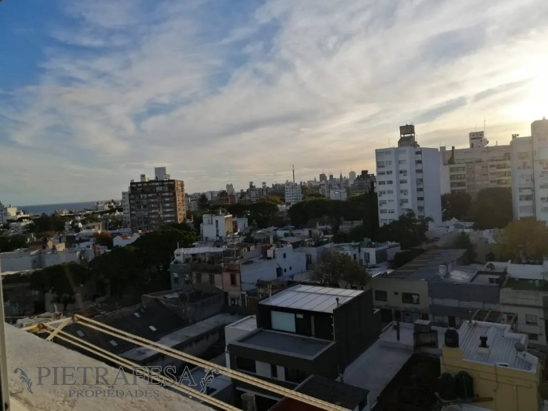 Apartamento ID.2099 - Apartamento en venta 2 dormitorios 1 baño con cochera - Felix Zublillaga - Pocitos