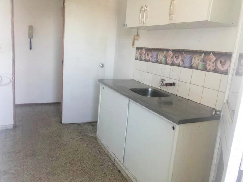 Apartamento ID.363 - Apartamento en venta con renta 2 dormitorios 1 baño con cochera - EE70- Malvin Norte