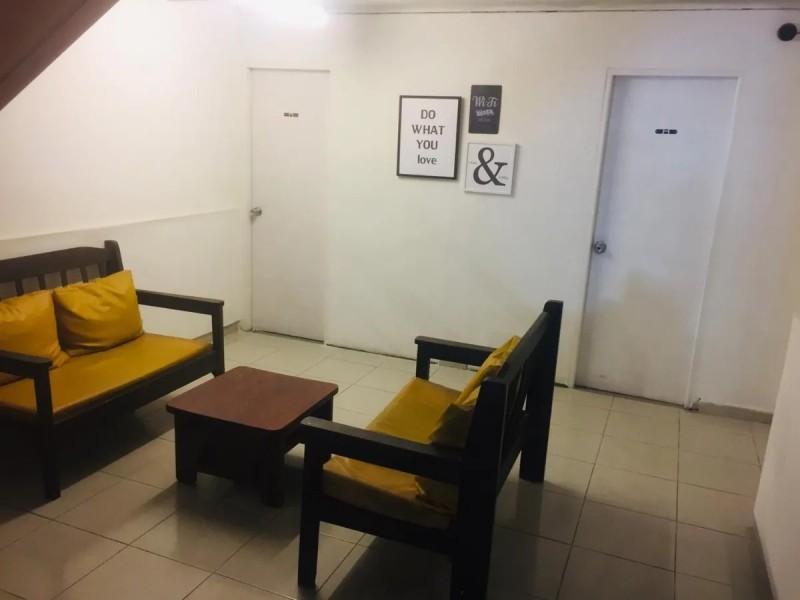 Casa ID.2081 - Casa en alquiler 5 dormitorios 5 baños - Joaquin Requena - Cordón