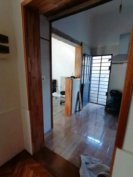 Casa ID.1986 - Gran casa en alquiler 2 dormitorios 1 baño y cochera-Camino Castro-Prado