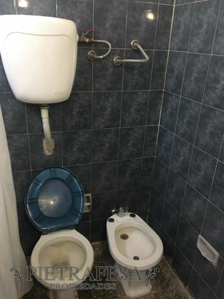 Casa ID.2091 - Casa en alquiler 3 dormitorios 1 baño y fondo-A. Rodríguez Castelao-Buceo