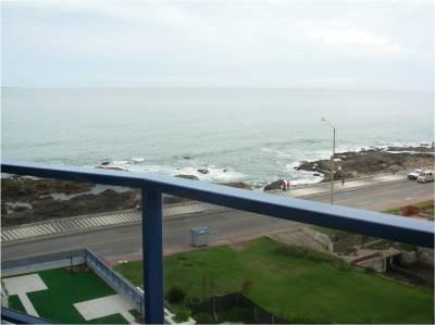 Peninsula, frente a playa brava