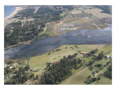 Chacra sobre La Laguna del Diario