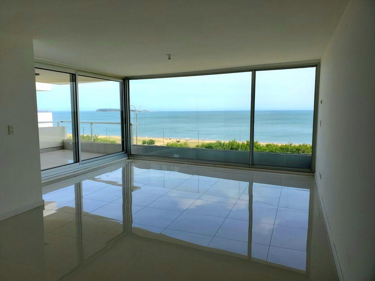 Apartamento Ref.256 - Edificio Lumiere, parada 28 playa mansa.
