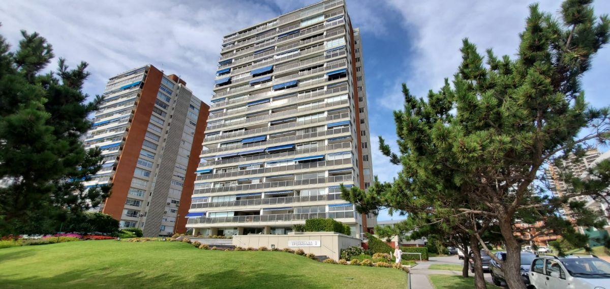 Apartamento Ref.53 - Departamento en venta en Edificio Tequendama 1.
