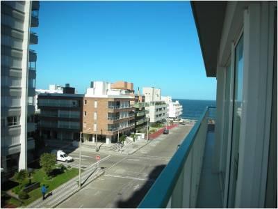 Peninsula ,  terraza con parrillero